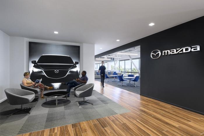 Mazda откажется от бензиновых и дизельных двигателей к 2030 году